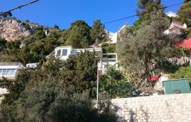 Luxury villa on two levels with an exotic garden, between Nice and Eze for 1,150,000 €