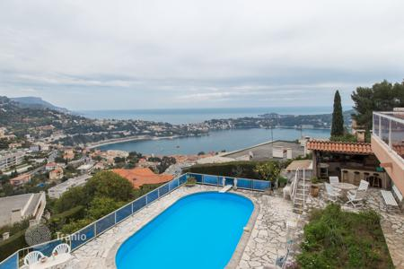 Property for sale in Villefranche-sur-Mer. Villefranche-sur-mer, a 300 m² villa on a 1100 m² property, for renovation