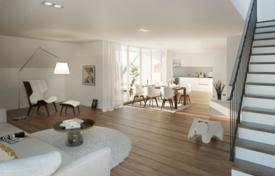 Luxury 3 bedroom apartments for sale in Bavaria. Two-level apartment with a loggia, in a new residence with a garden and a parking, in Munich, Germany