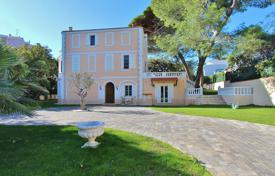 Beautiful property to rent in Antibes/ Cap d'Antibes. Price on request