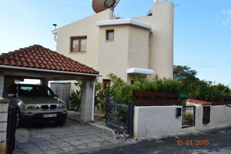 Property for sale in Emba. 3 Bedroom Villa with Green Area infront, Infinity Pool, Title Deeds — Emba