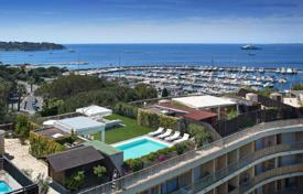 Luxury apartments for sale in Côte d'Azur (French Riviera). Penthouse — Panoramic sea views