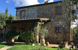 Houses for sale in San Quirico D'orcia. Villa – San Quirico D'orcia, Tuscany, Italy