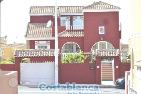 Houses for sale in Gran Alacant. Chalet – Gran Alacant, Valencia, Spain