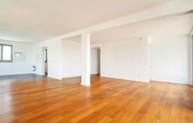 1 bedroom apartments for sale in Bavaria. Apartment with a terrace, in a residence with a parking, in Munich, Germany