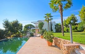 4 bedroom houses for sale in Cannes. Villa – Cannes, Côte d'Azur (French Riviera), France