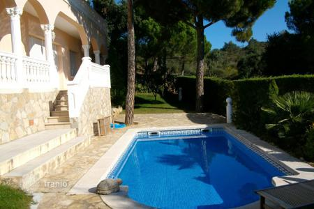5 bedroom villas and houses to rent in Castell Platja d'Aro. Villa – Castell Platja d'Aro, Catalonia, Spain