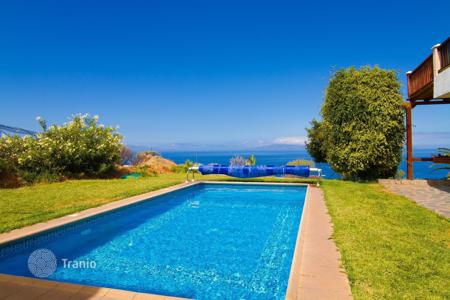 4 bedroom houses for sale in Tenerife. Villa - Alcalá, Canary Islands, Spain