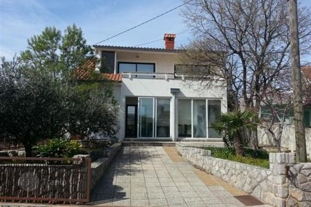 Residential for sale in Krk. Family villa in Kornić