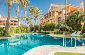 Luxury 2 bedroom apartments for sale in Costa del Sol. Two-bedroom apartment on the first line from the sea, Puerto Banus, Costa del Sol, Spain