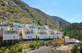 Residential for sale in Altea. New three-level villa with a garage and a swimming pool in Altea, Alicante, Spain