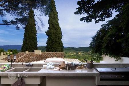Luxury 3 bedroom houses for sale in Tuscany. Villa – Florence, Tuscany, Italy