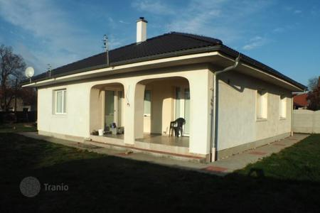 2 bedroom houses for sale in the Czech Republic. Detached house – Central Bohemia, Czech Republic