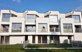 3 bedroom apartments for sale in Austria. New two-level apartment in a house with a parking in Liesing area, Vienna