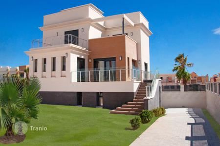 3 bedroom houses for sale in La Zenia. Luxury modern villas in La Zenia, near the beach and all facilities