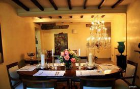 Luxury property for sale in Florence. Villa – Rignano sull'Arno, Tuscany, Italy