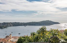 Houses with pools for sale in Villefranche-sur-Mer. VILLEFRANCHE SUR MER — PANORAMIC SEA VIEW VILLA