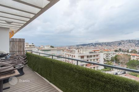 Apartments for sale in Cimiez. Superb 4 room traversing apartment with terrace on last floor, Cimiez