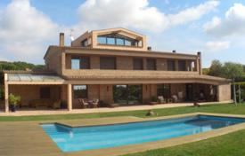 Luxury 5 bedroom houses for sale in Costa del Garraf. Villa – Gava, Catalonia, Spain