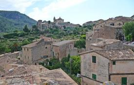 Townhouses for sale in Balearic Islands. Terraced house – Valldemossa, Balearic Islands, Spain