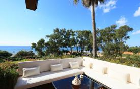 Luxury apartments for sale in Spain. Panoramic sea views from this frontline penthouse in Los Monteros