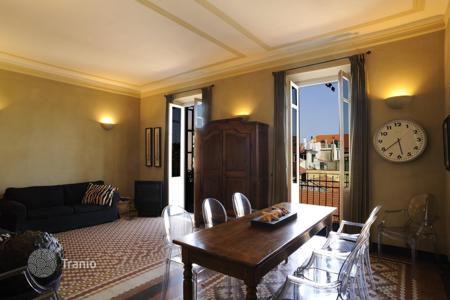 Apartments for sale in Alassio. Prestigious apartment in the centre of Alassio only a few steps from its popular beaches