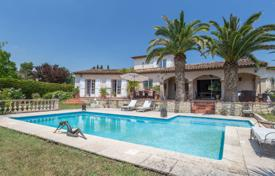 3 bedroom houses for sale in Provence - Alpes - Cote d'Azur. Ultra charming provencal home at 10 minutes from Cannes
