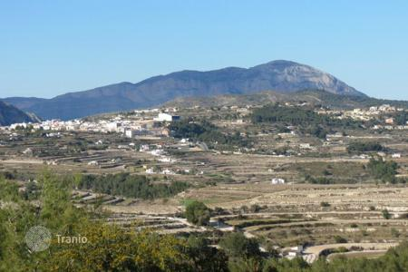 Cheap development land for sale in Moraira. Land of 805 sqm with sea and mountain views in Moraira