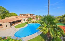Residential for sale in Saint-Paul-de-Vence. Villa – Saint-Paul-de-Vence, Côte d'Azur (French Riviera), France