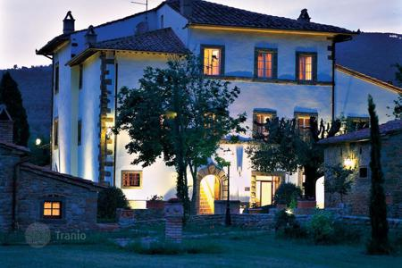 Luxury houses for sale in Cortona. Villa in Cortona, Italy