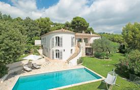 6 bedroom houses for sale in Provence - Alpes - Cote d'Azur. Saint-Paul de Vence — Panoramic sea view
