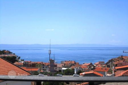 Apartments with pools by the sea for sale in Croatia. Newbuilt apartmant in centar Makarska