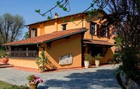 Villas and houses for rent with swimming pools in Tuscany. Villa – Camaiore, Tuscany, Italy