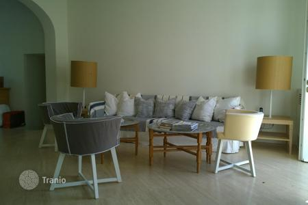 Coastal residential for rent in Italy. Villa in Roma Imperiale