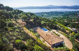 Between Saint-Tropez and Sainte-Maxime — Contemporary new villa. Price on request
