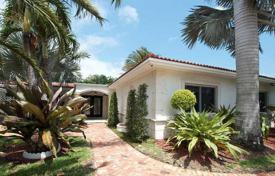 Property for sale in North America. Spacious house overlooking the golf course, Miami Beach, Florida, USA