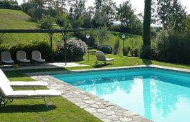 Villas and houses for rent with swimming pools in Radda In Chianti. Antica Pieve