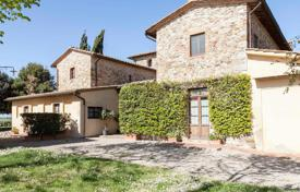 Ancient farm with a vineyard and an olive plantation in Chianti, Tuscany, Italy for 4,950,000 €