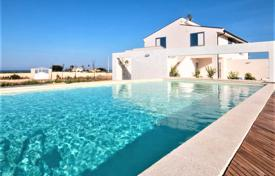 Elegant villa with sea views and a pool, Syracuse, Sicily, Italy for 980,000 €