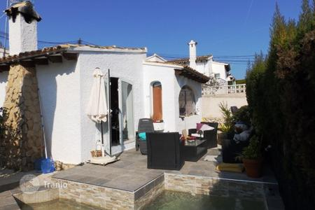 Cheap townhouses for sale in Moraira. Bungalow of 3 bedrooms in Moraira