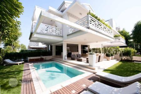 3 bedroom villas and houses to rent in Italy. Villa in Milano Marittima, Italy