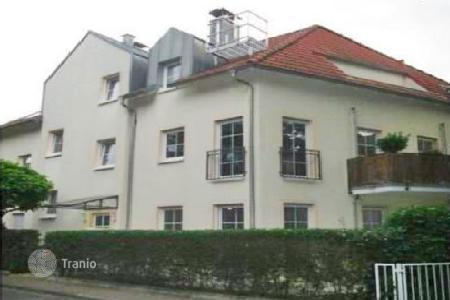 Apartments with pools for sale in Germany. Apartment – Frankfurt am Main, Hessen, Germany