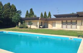 Coastal houses for sale in Milan. Villa – Milan, Lombardy, Italy