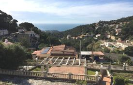 4 bedroom houses by the sea for sale in Costa Brava. Villa – Lloret de Mar, Catalonia, Spain