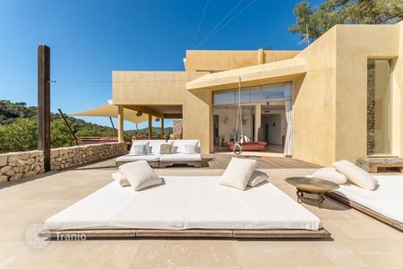Villas and houses to rent in Ibiza. Villa – Roca Llisa, Ibiza, Balearic Islands, Spain
