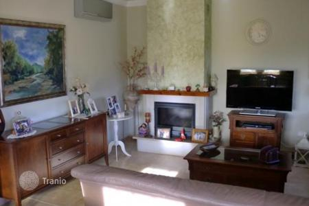 Coastal townhouses for sale in Cambrils. Terraced house – Cambrils, Catalonia, Spain