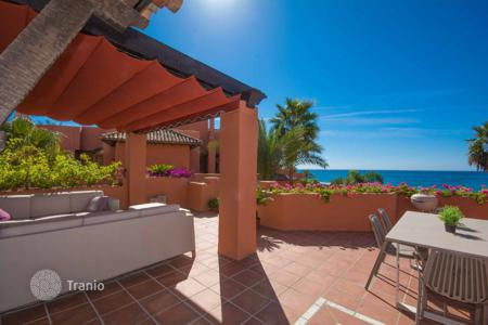 Luxury 3 bedroom houses for sale in Costa del Sol. Duplex Penthouse for sale in La Morera, Marbella East