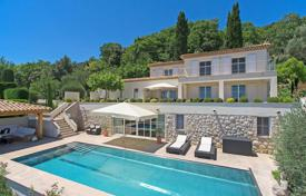 Luxury 4 bedroom houses for sale in Côte d'Azur (French Riviera). Cannes backcountry — Contemporary designer villa with panoramic sea view