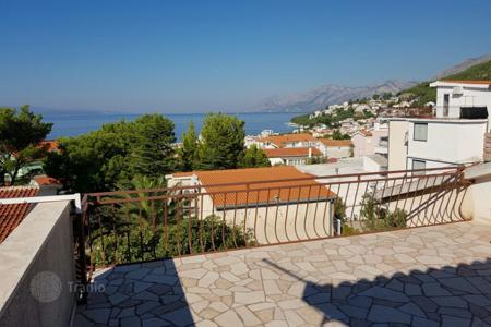 Coastal houses for sale in Split-Dalmatia County. House in Baska voda