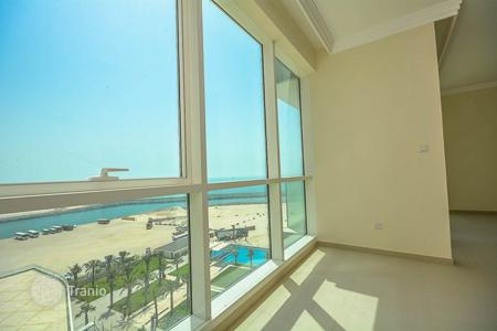 2 bedroom apartments for sale in Western Asia. Fully furnished apartments with panoramic views of the sea in the area of Jumeirah Beach Residence